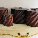Декоративная деревянная коробочка круглая с крышкой 15*15 см цвета венге резная