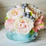Чашка с цветами из полимерной глины