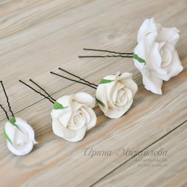 Набор из 4 шпилек в виде цветов роз и бутонов белого цвета