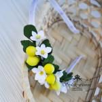 Ободок в прическу с плодами и цветами лимона из холодного фарфора
